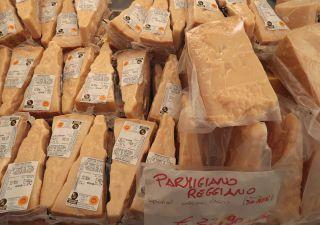 Stop al Parmesan: governo vuole bloccare il Ceta, Ue infuriata