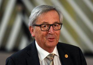 Juncker corregge il tiro: