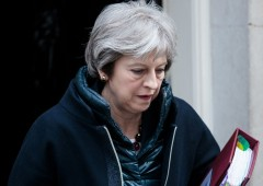 Brexit, clamorosa debacle in aula per May: cosa succede ora?