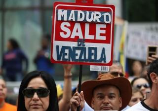 Venezuela isolato: Maduro chiude frontiere con Brasile e Colombia