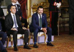 Migranti, Salvini chiude i porti: è scontro con Malta