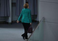 Consiglio Ue: nella notte l'accordo (vago) sui migranti. Merkel delusa