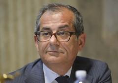 """Tria sdrammatizza sul """"cigno nero"""" di Savona sull'euro"""