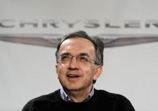 FCA, Marchionne in cravatta annuncia: debito azzerato