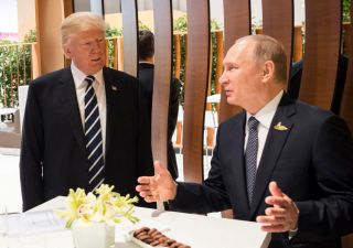 Trump in Ue: Nato trema in vista del summit con Putin