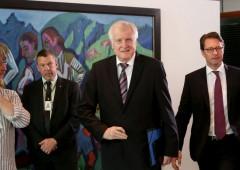 Germania, ministro Interni: lascio. Merkel prossima a saltare?