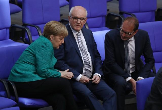 Il presidente Usa Trump arriva a Bruxelles in attesa del vertice sulla NATO che si preannuncia molto teso.