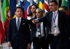 """Conte assicura: """"Ministro Tria non se ne va. Euro non si discute"""""""