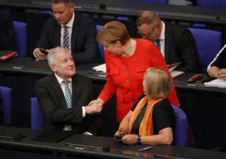 Migranti: Merkel strappa accordo definitivo