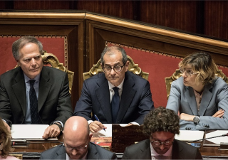Manovra d'autunno: sì a flat tax, sparisce il bonus 80 ma Salvini smentisce