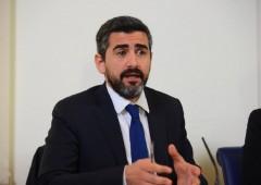 Governo vuole troncare 345 parlamentari