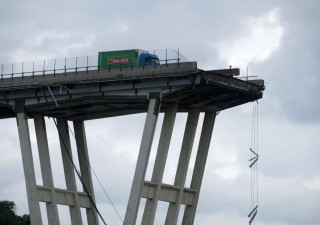 Ponte Morandi: parte la demolizione. Le riprese del drone