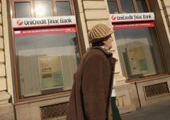 Banche, attesa per trimestrali mentre calano sofferenze