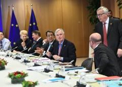 """Brexit, UE denuncia Londra: """"agenti ci spiano"""""""