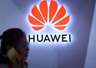 Trump alza muro nelle tlc: Huawei nella