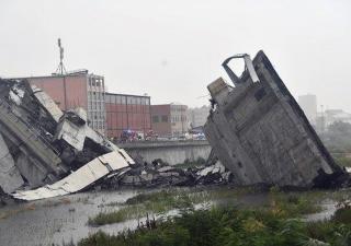 Genova, crolla ponte dell'autostrada: decine di morti