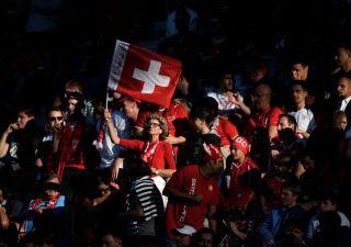 Reddito di base per tutti: in Svizzera 2.210 euro al mese