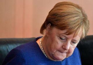 Ammutinamento, Merkel in bilico: spodestato suo fedelissimo