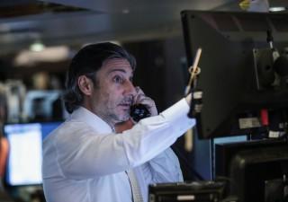 Banche: verso uno stop ai dividendi per tutto il 2020
