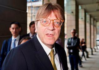Elezioni europee, alleanza anti populisti: Verhofstad chiama Macron