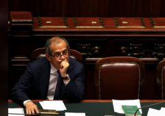 """Governo insorge: """"Italia non è un pericolo, Fmi lo è"""""""