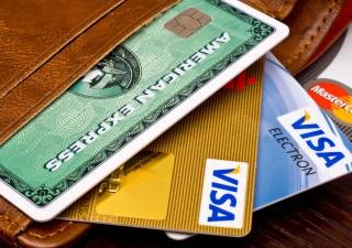 Pagamenti con carta, il confronto fra Italia e il resto d'Europa