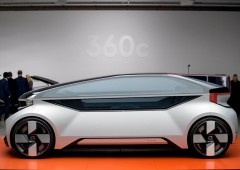 Volvo: auto a guida autonoma per rivaleggiare con aerei low cost