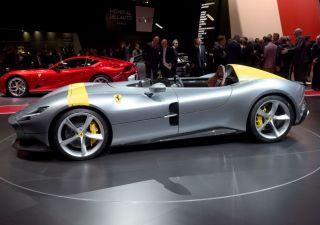 Salone Auto di Parigi: ecco supercar di Bugatti