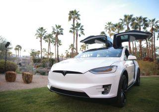 Tesla, per analisti è