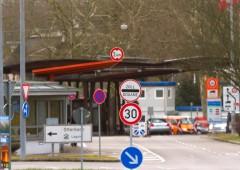 Ue ricatta Svizzera, chiede maggiore cessione di sovranità