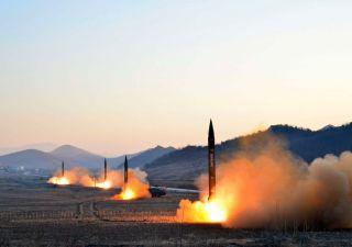Usa si ritirano dal trattato nucleare sui missili con la Russia