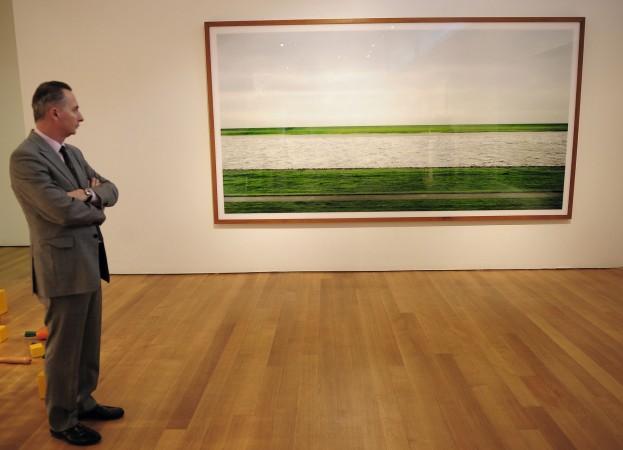 """""""Rhein II"""" di Andreas Gursky in mostra da Christie's."""