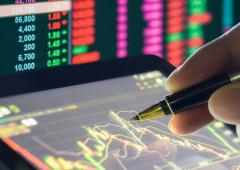 Recessione spaventa i mercati, investitori si rifugiano nei titoli di qualità