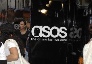 Crisi retail: Asos lancia profit warning e crolla di oltre il 40% a Londra