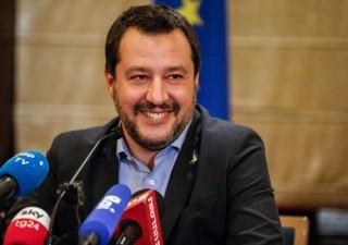 Diciotti: Militanti 5 Stelle dicono no al processo contro Salvini