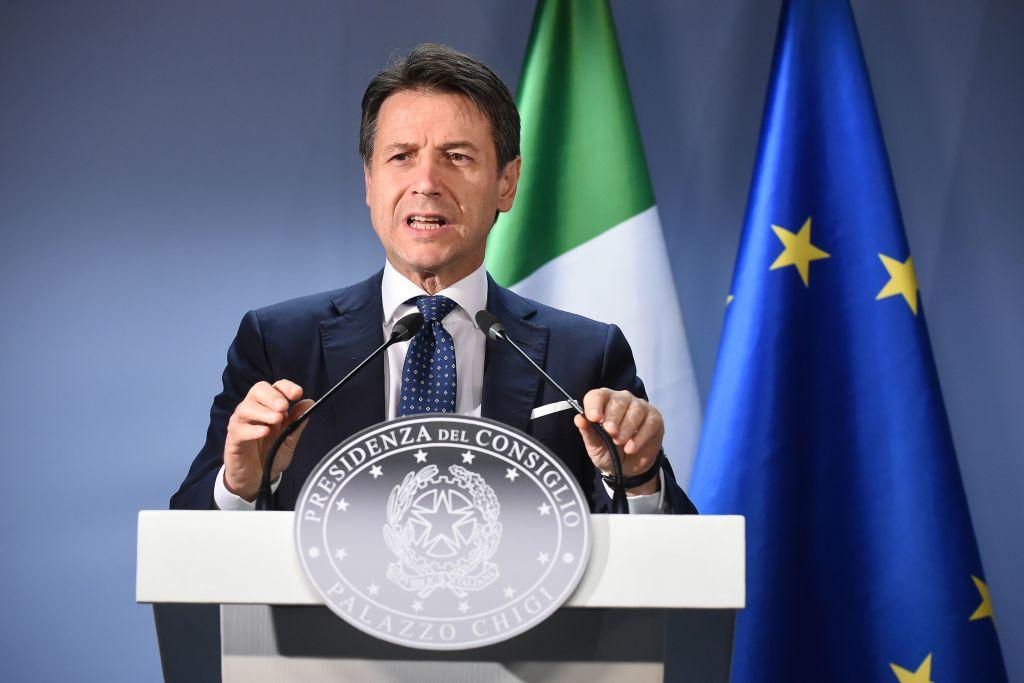 Conte senza freni contro Salvini, annuncia le dimissioni – la diretta
