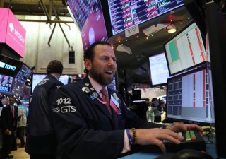 Volatilità torna con forza e gestori pagano conseguenze