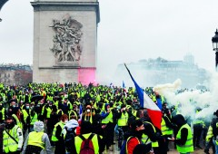 Gilet gialli: in Francia legge marziale contro qualsiasi manifestazione