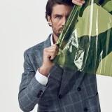 Abito, camicia e cravatta Corneliani; orologio Piaget