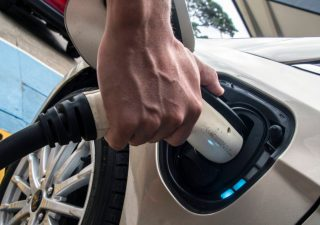 Accenture: autobus o taxi a guida autonoma al posto dell'auto personale per la metà degli automobilisti