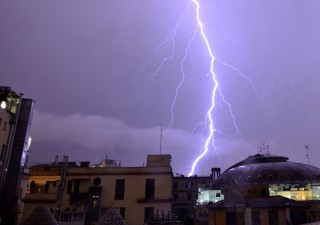 Da Londra: recessione Italia aumenta chance default e addio euro
