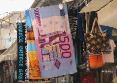 Addio banconota da 500 euro: 100 e 200 euro si rifanno il look