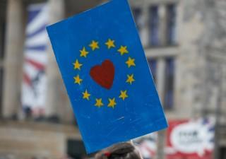 Italiani molto più favorevoli a euro rispetto a 3 anni fa