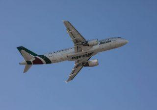 Alitalia: nuovo salvagente pubblico da 350 milioni