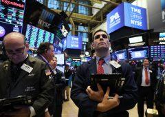 Campanelli di recessione, mercati tentano di mantenere nervi saldi