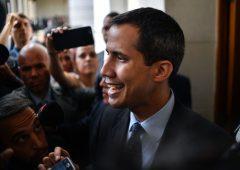 """Venezuela, Guaidò scrive all'Italia: """"Sconcertato da vostra posizione"""""""