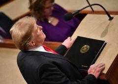 """Trump: incubo impeachment, Dem: """"è una possibilità"""""""