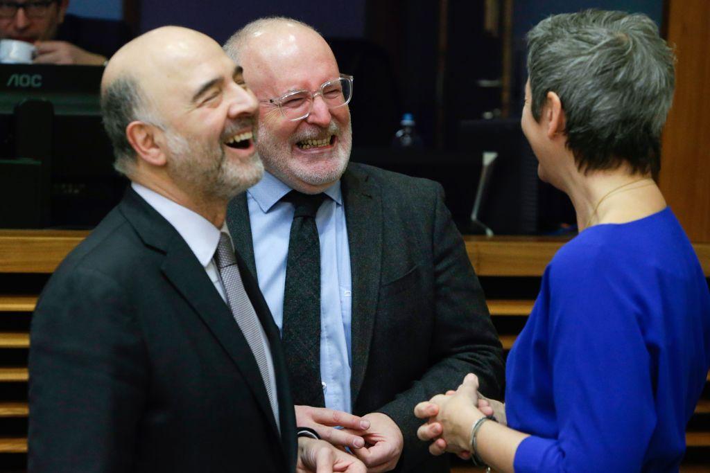 Richiamo severo di Moscovici alla Grecia
