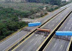 Venezuela, ponte con la Colombia barricato: no a aiuti umanitari