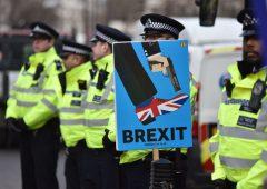 Brexit: colloqui bloccati, May non va a Bruxelles